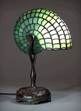 Nautilus Tiffany Lamp 401 Leaded Glass Shade