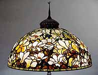 "28"" Magnolia Tiffany Lamp"